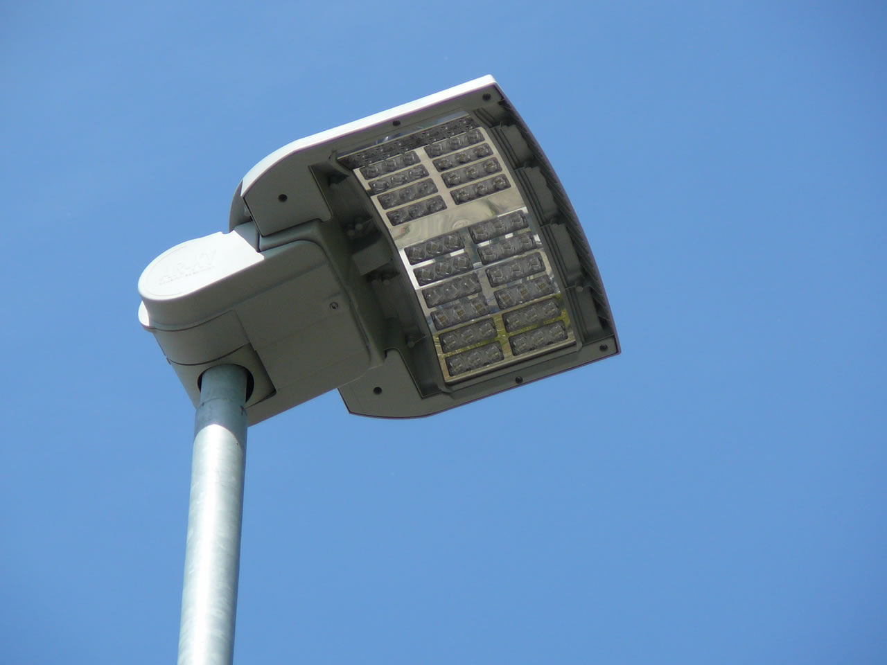 Illuminazione stradale led ar ky pls srl